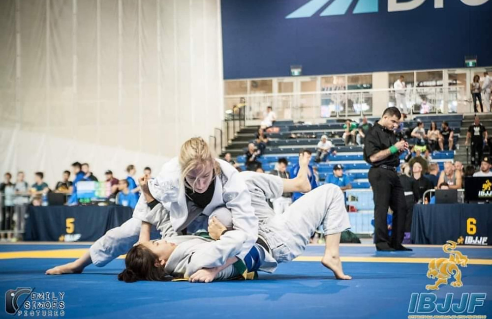 women's jiu jitsu competition