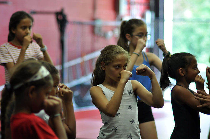 girls self defense classes