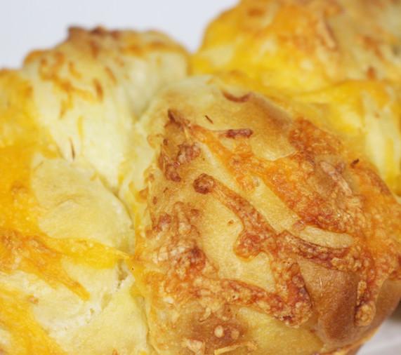 cheesebread1_edited.jpg