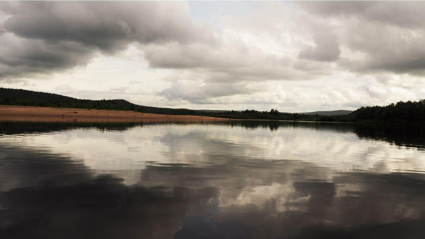 Calm water on Teno river