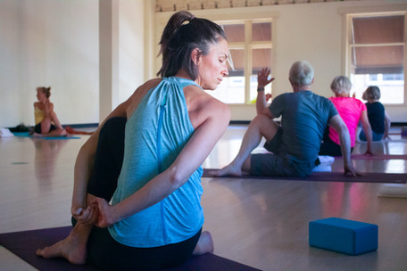 Yoga woman in blue, pose (90%) - IMG_8376.jpg