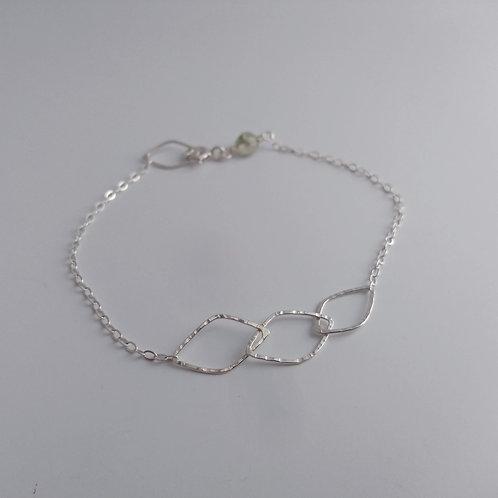 Leaf Linkage Bracelet