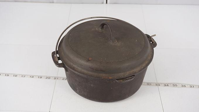 5 Qt Cast Iron Pot With Lid