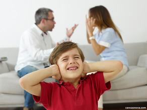 Qual é o lugar das crianças quando os pais se zangam?