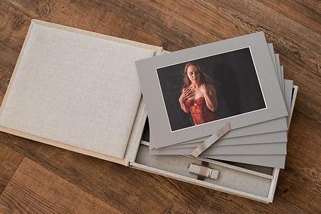 Boudior photography boudoir photographer A and K Photography