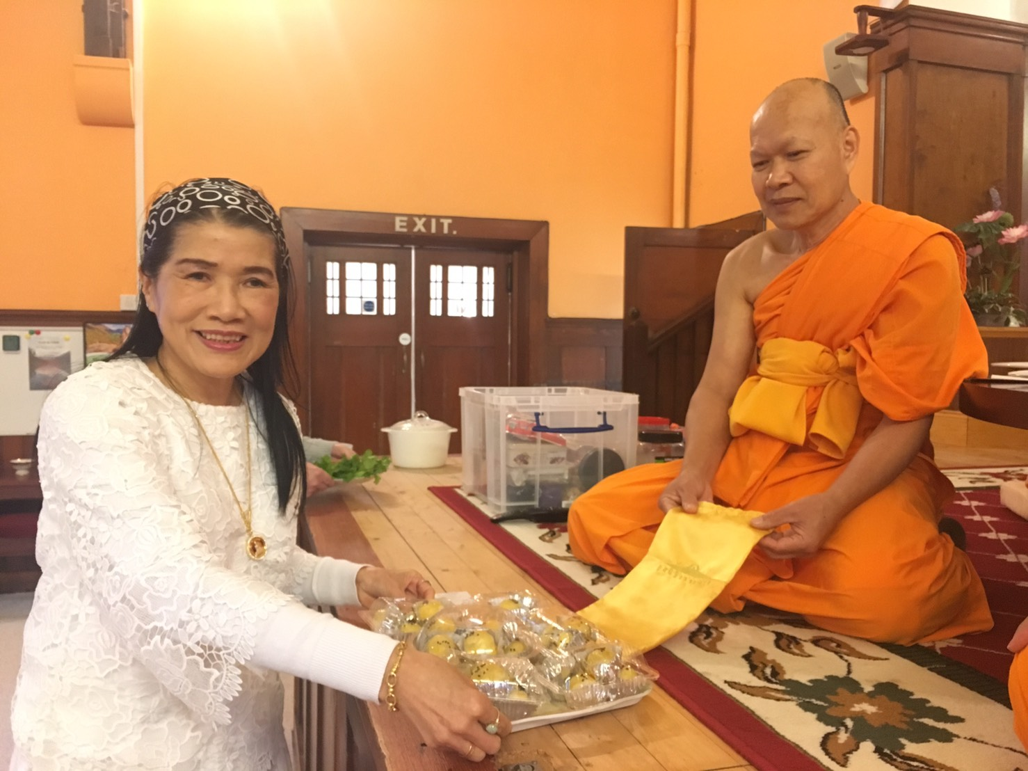 offer meal to monk3