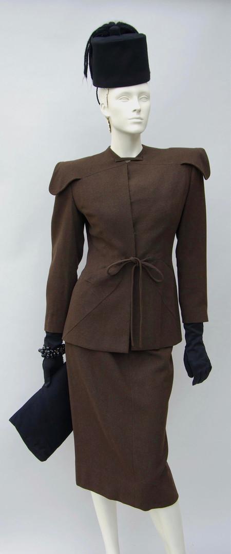 Brown wool suit (1942 - 1946)