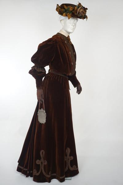 Brown Velvet Walking Suit by L. Hamon, c. 1905, Montreal, Quebec
