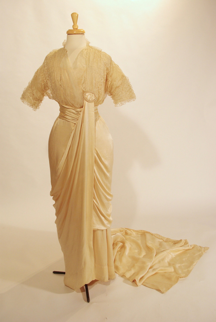 Cream Silk Satin and Lace Dress with Hobbled Hemline and Train, likely Canadian, c. 1913