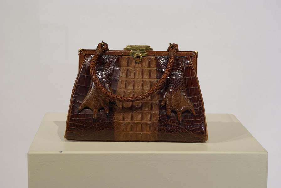 Caiman Alligator Leather Purse, early 1900s