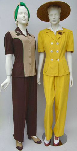 Gold trouser suit with shell buttons (1940 - 1946)
