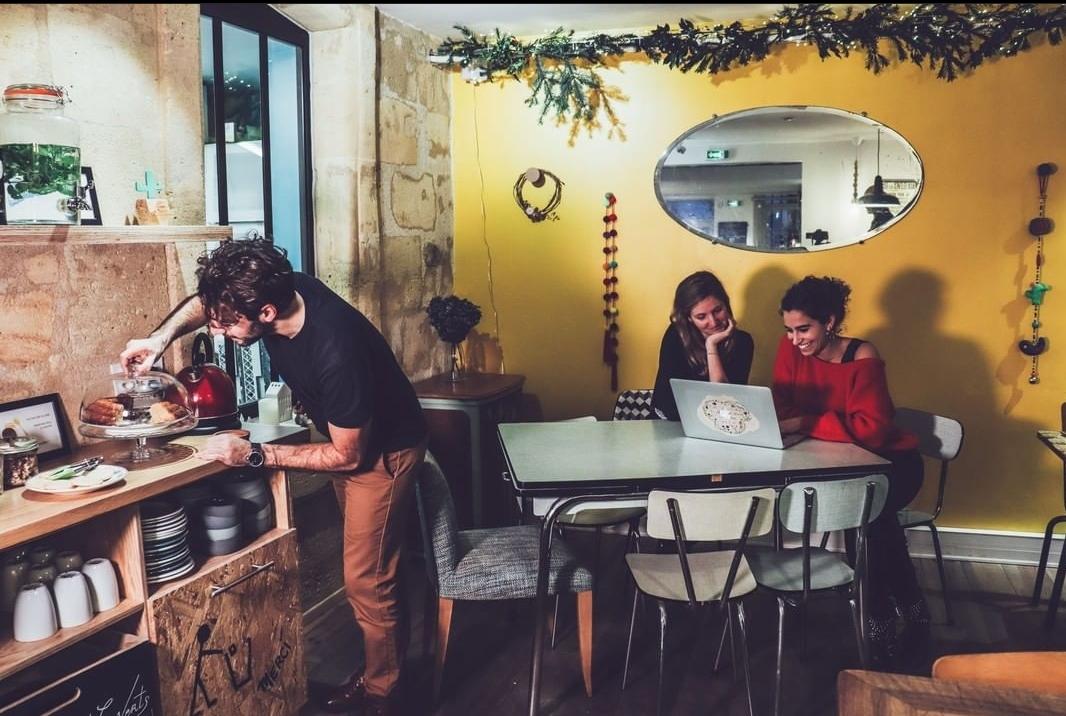 Working café gourmand