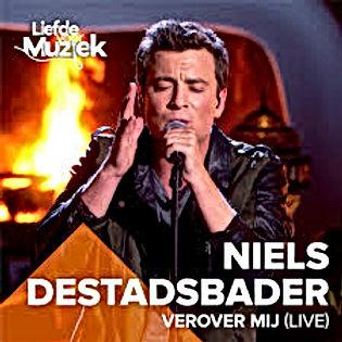 Niels Destadsbader met 3 songs in de Nederlandstalige Top 30