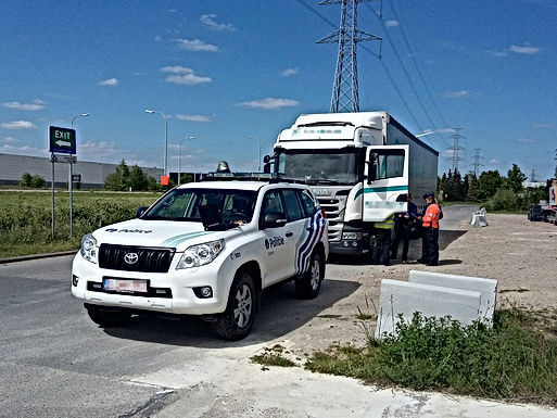 Lokale politie Bilzen-Hoeselt-Riemst controleert zwaar vervoer