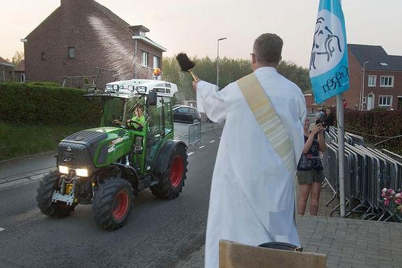 500 tractors gezegend in Mal