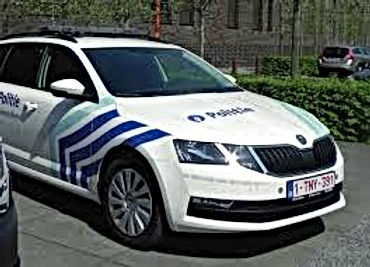 LIMBURGNIEUWS: Twee brandweermannen tijdens bluswerken overleden / 21-jarige betrapt met drugs