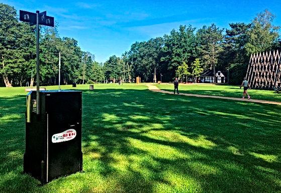 Stad Genk plaatst slimme vuilnisbakken in het Molenvijverpark