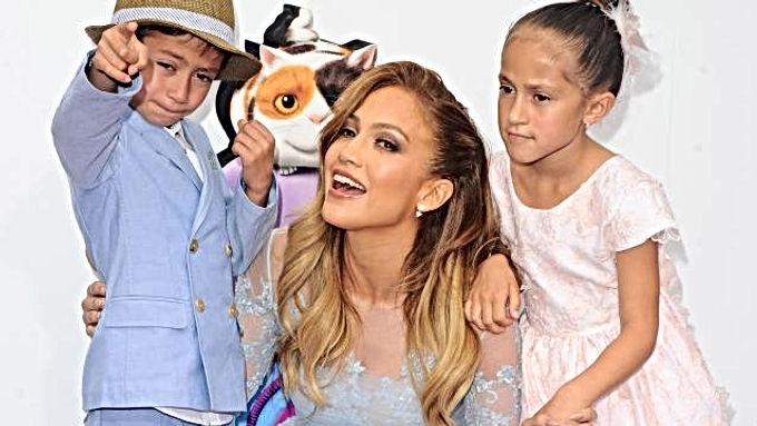 SHOWBIZZNIEUWS: Jennifer Lopez wordt 50 / Burenruzie Ed Sheeran