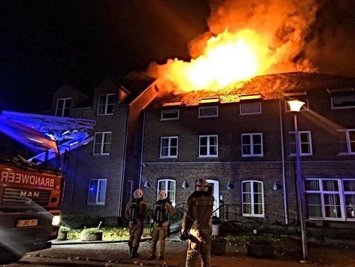 Zware brand in toekomstig asielzoekerscentrum in Bilzen. Kwaad opzet wordt niet uitgesloten