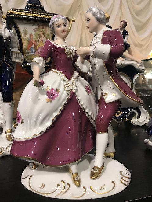 Кавалер с дамой, Royal Dux