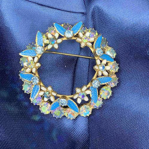 Брошь венок с голубыми кристаллами