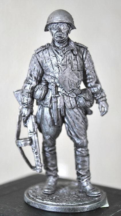 Старший сержат пехоты Красной армии