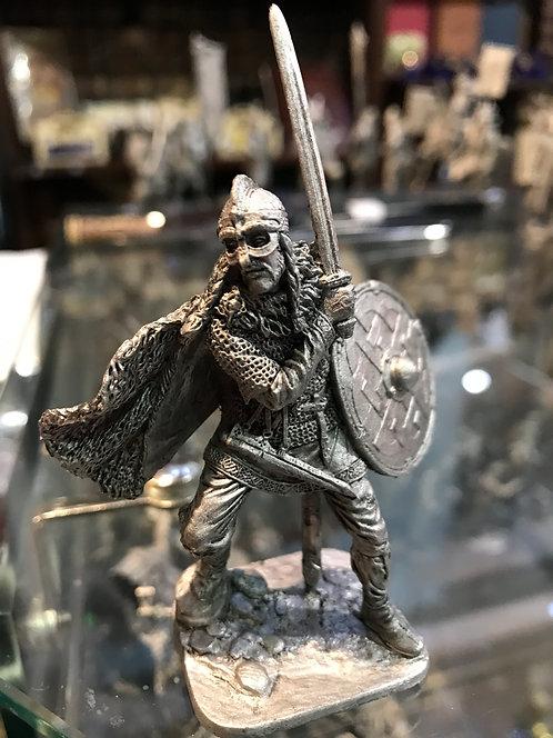 Викинг с мечом , 9-10 вв.