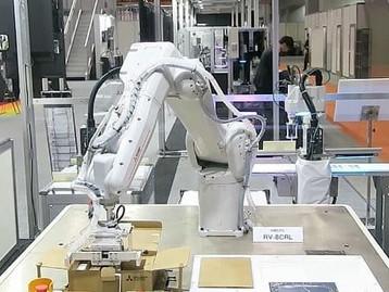 Mitsubishi Electric lança robô industrial compacto e com maior alcance da categoria