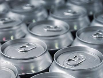 Setor de latas de alumínio para bebidas mantém vendas em alta no primeiro semestre de 2021