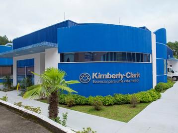 Brasil lidera iniciativas de redução de pegada florestal da Kimberly-Clark