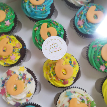 numbers cupcakes