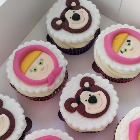 masha cupcakes