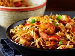 Indo-Chinese-Take-out-Shrimp-Hakka-Noodles_edited