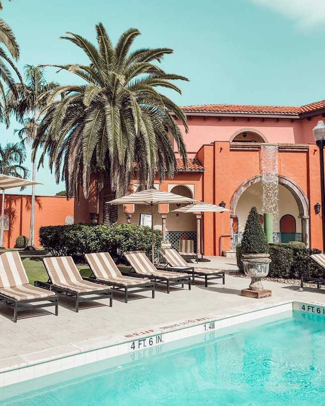 pink pilgrimage Boca Raton Resort .jpg