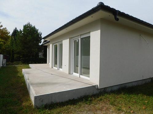 Új építésű családi ház a Balatonon