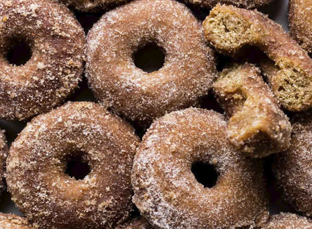 Healthy Apple Cinnamon Protein Doughnuts