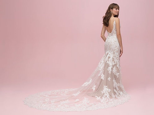 Share the love with this fabulous allure bridal gown size 14
