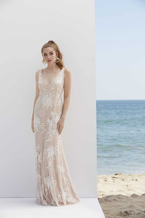 Elope Fun-with this fabulous waters dress in a size 8 b brand ne