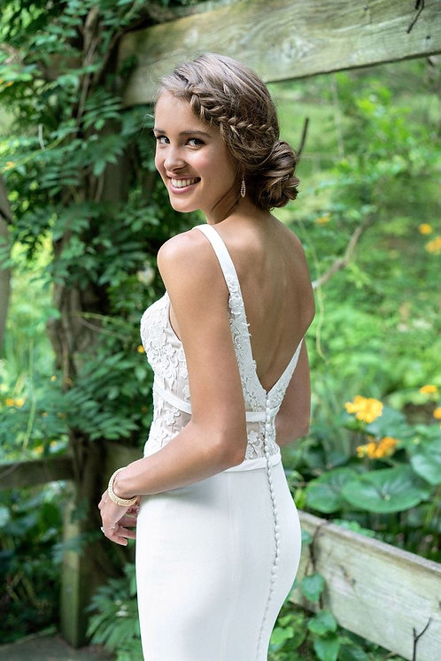 Celebrate forever with this beautiful Lillian West creation size 14 ivory