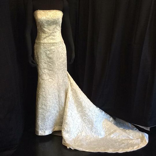 Ivory Synthetic Cut Out Lace with Train Modern Wedding Dress Street Size: 6 (S)