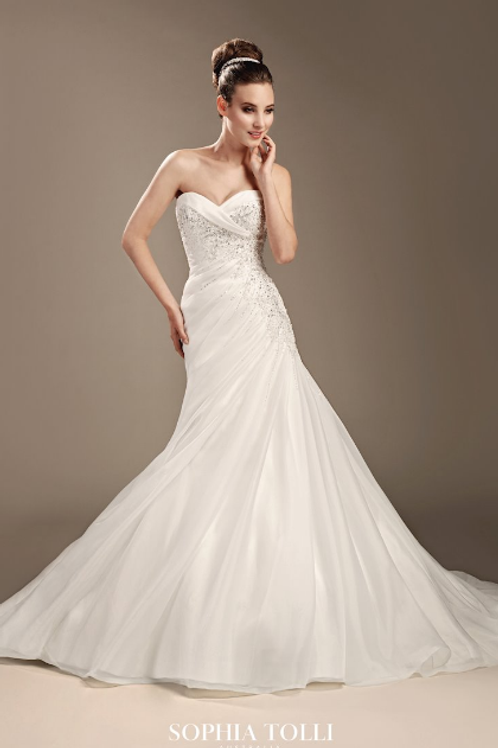 Exciting news Sophia Tolli sz10 sparkling sophisticated features a lace-up bac