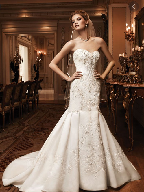 Stunning Casablanca Bejeweled Elegance in a size 10 ivory
