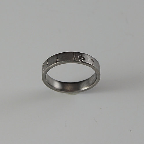 Tavia Metal Titanium ring Lines and dots engraved pattern