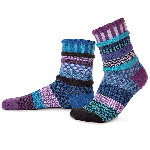Recycled fiber Mismatch Socks Raspberry pattern