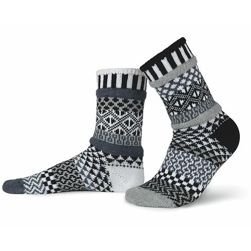 Recycled fiber Mismatch Socks black and white Midnight pattern