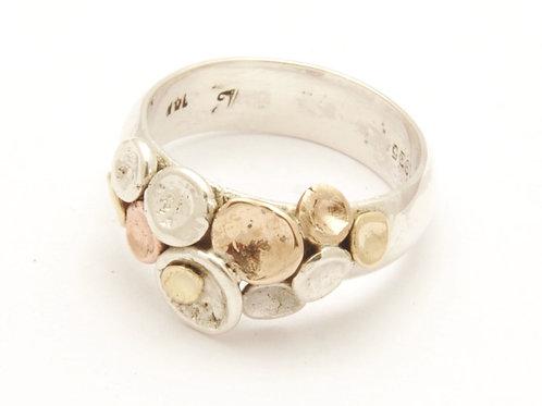 Kelly Mixed metals pebble design ring, thin band