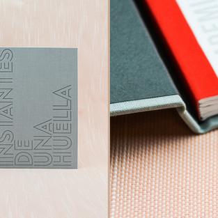 Instantes de Una Huella Smythe-sewn tape-bound hard-cover book