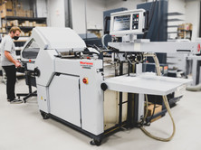 Standard Horizon AFC-556FKT automated folder w/ in-line HHS Promelt fugitive gluing of self-mailers