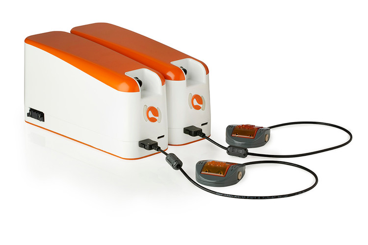2 Flow sensors connected to 2 UniGo pressure pumps.jpg