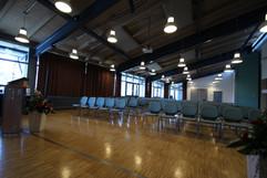 Im Lehrsaal werden Versammlungen abgehalten